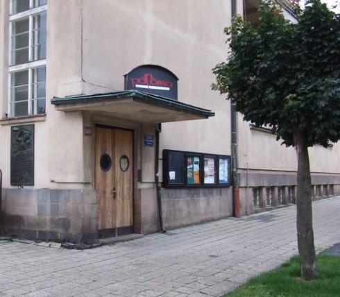 kino Hronov-vchod