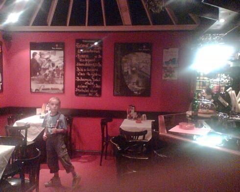 kino Svet Dvur Kr. n. L kavarna 2