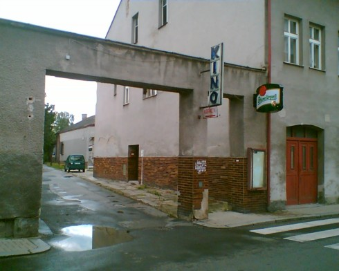 kino vstup Jablonne v P.